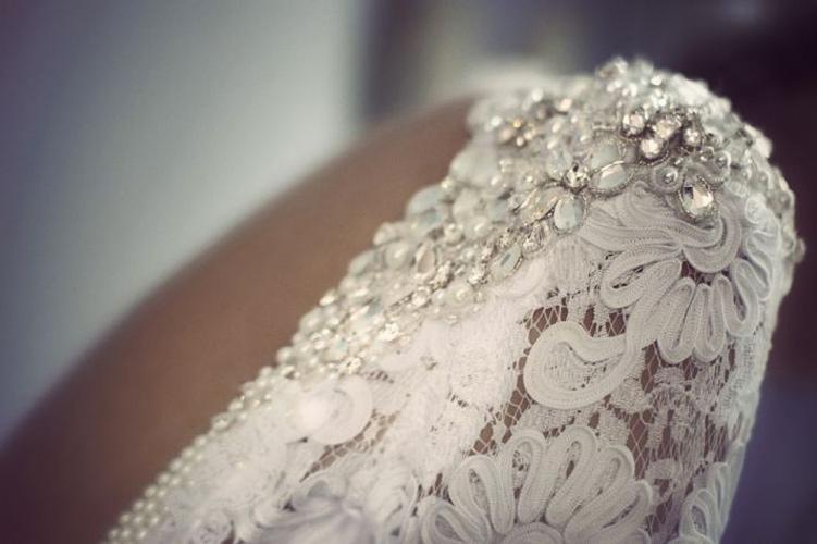 berta-bridal-pietre-preziose-dettagli