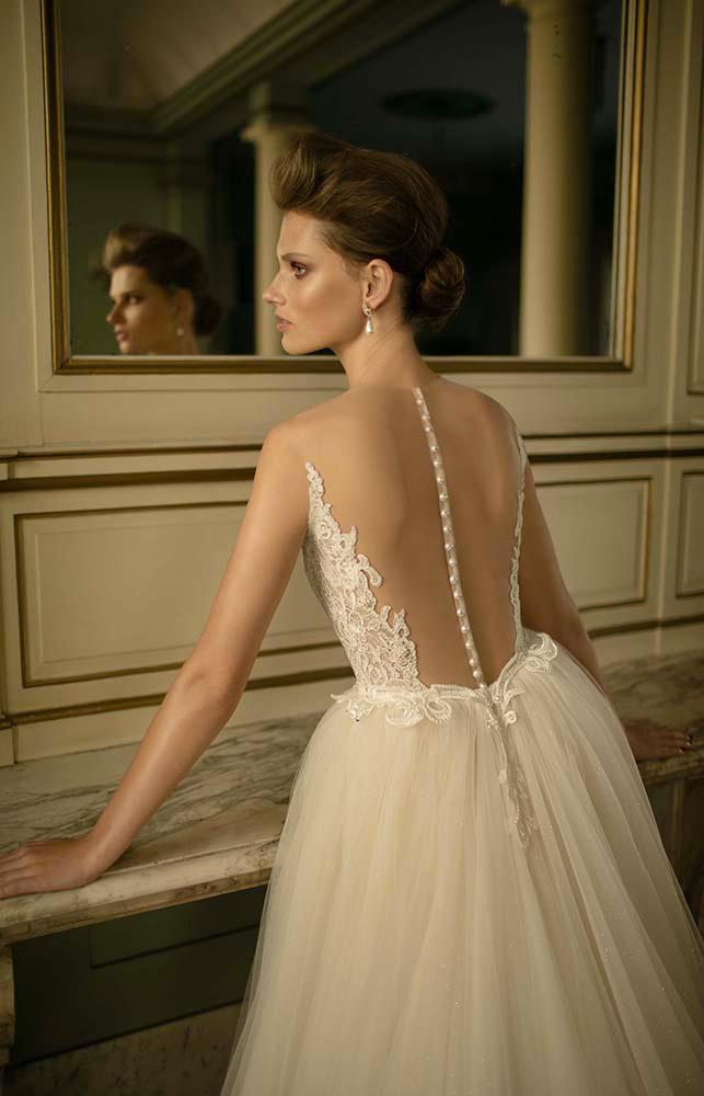 berta bridal schiena dettagli bottoni tulle