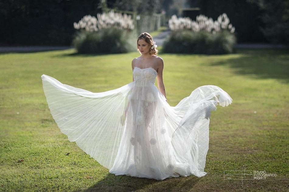 A Lucca la nuova collezione di abiti da sposa Yolan Cris 2018 1903ca9e6ca