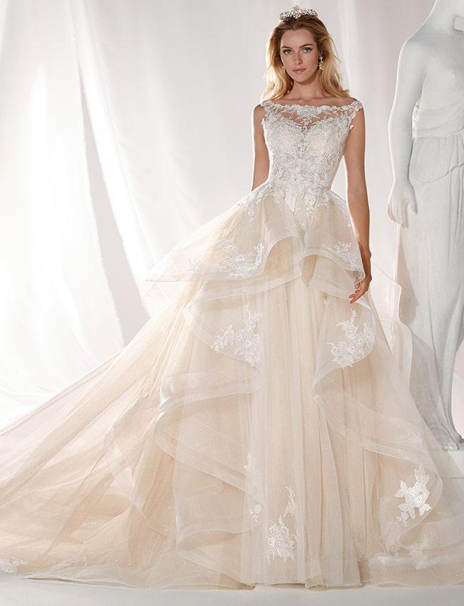 bc86b4b53db5 Nicole spose Abiti da sposa collezione per Firenze Pisa Prato Toscana