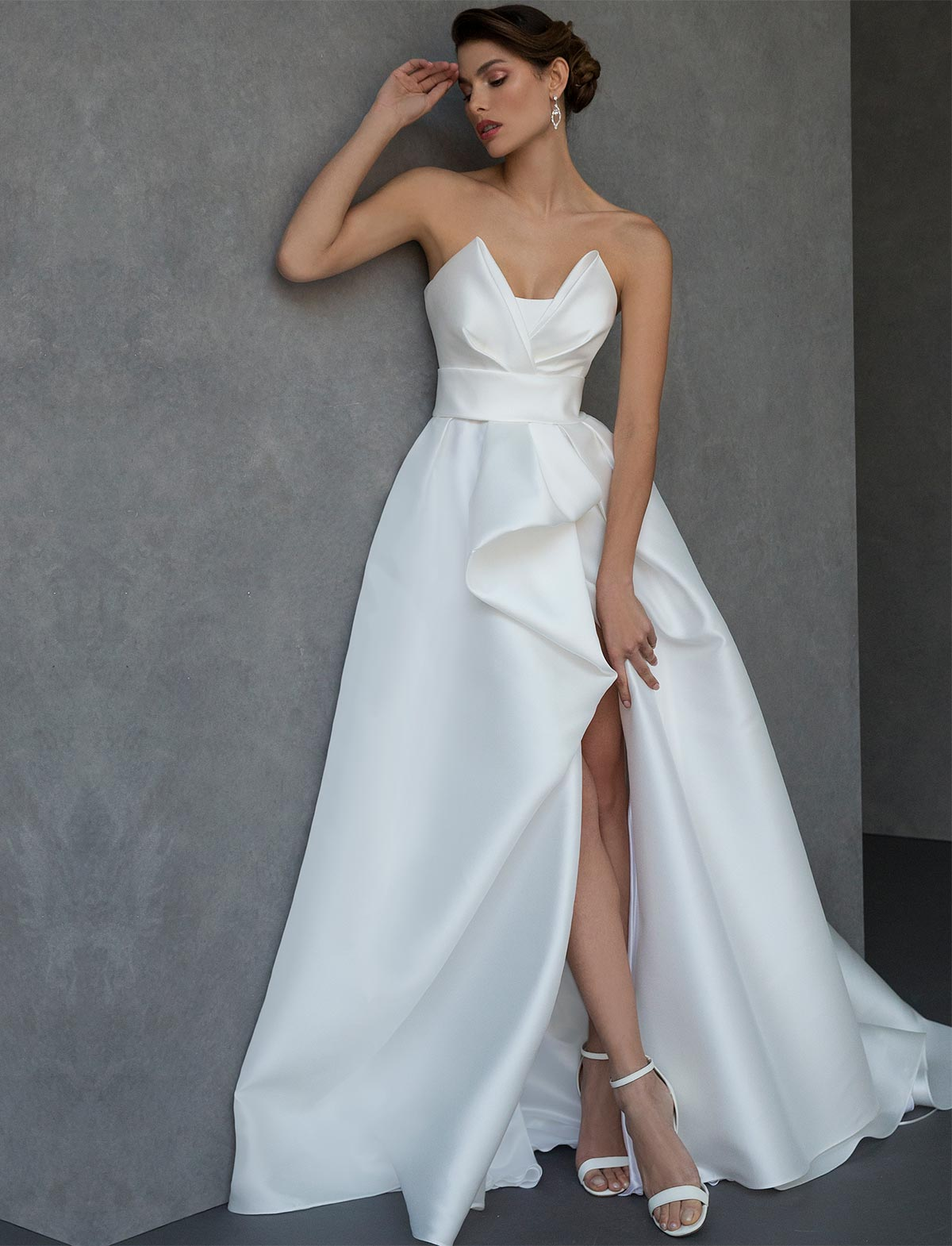 new style b5fed 0abb0 Valentini abiti da sposa rigorosamente Made in Italy ...